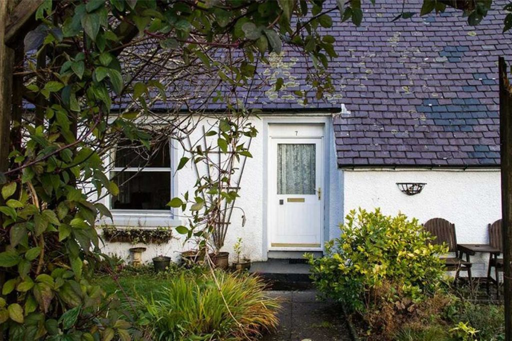 Rowan Cottage, self catering, Portree, Isle of Skye